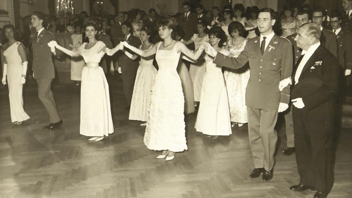 Bild von der Eröffnung des Balles der Offiziere 1960